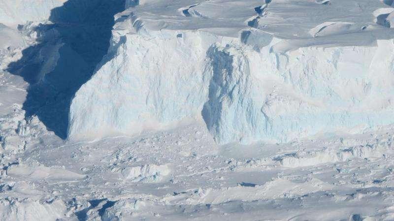 O estudo mostra que a perda de gelo de Thwaites Glacier pode não progredir tão rápido quanto o pensamento