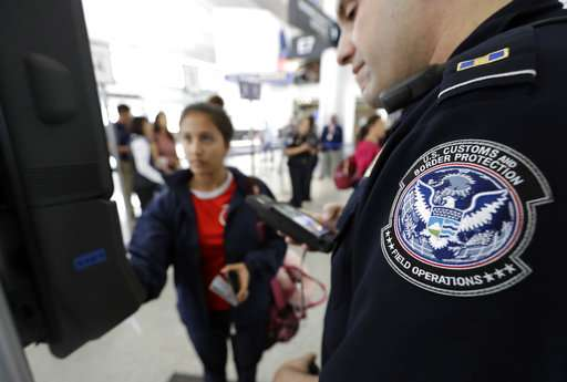 Face scans for US citizens flying abroad stir privacy issues
