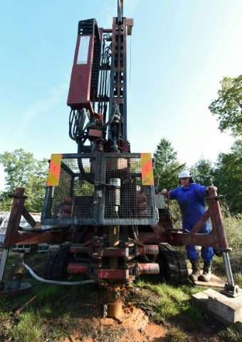 A drilling machine will unearth some 20 core samples from the eight different sites in Rochechouart.
