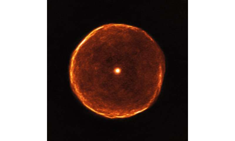 Ageing star blows off smoky bubble