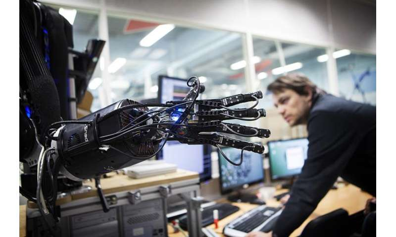 AI advances to put greater value on human judgment: U of T experts