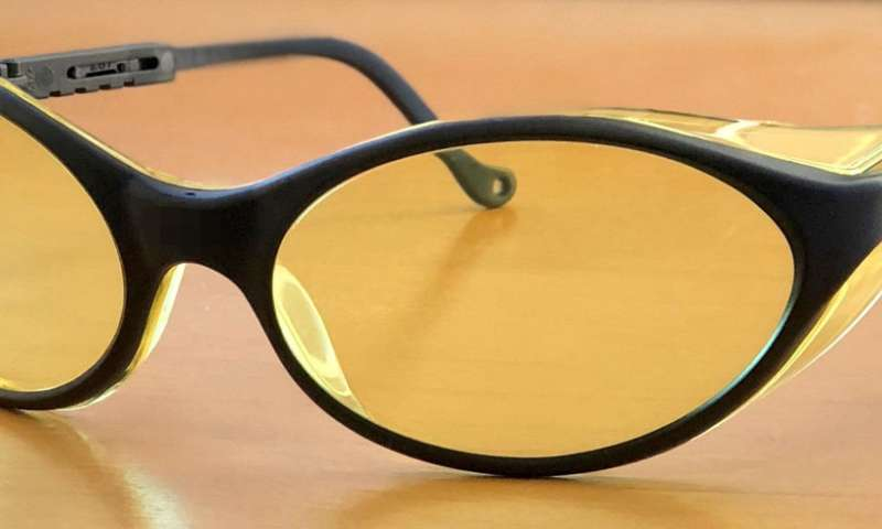 Amber-tinted glasses may provide relief for insomnia