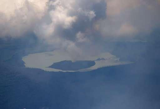 Belching Vanuatu volcano may blow, forces 7,000 to flee