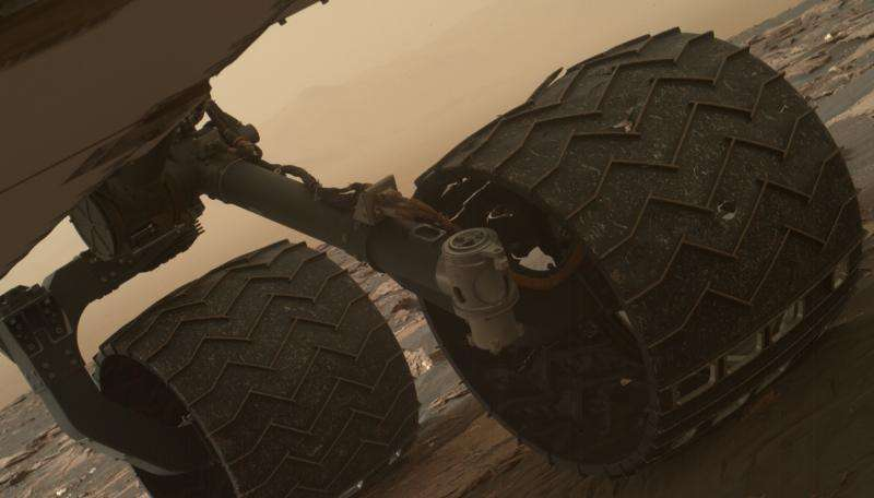 Breaks observed in Mars rover wheel treads