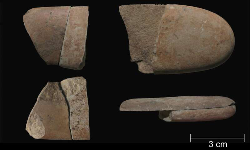 Broken pebbles offer clues to Paleolithic funeral rituals