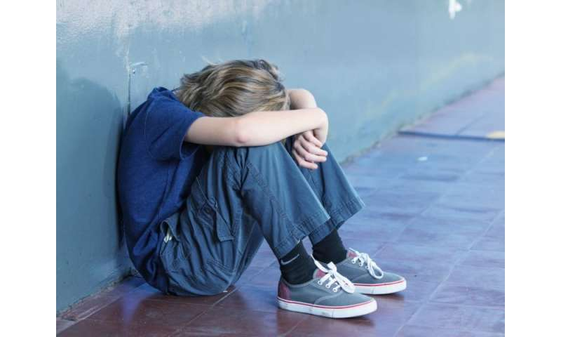 Bullied teens more likely to take weapons to school