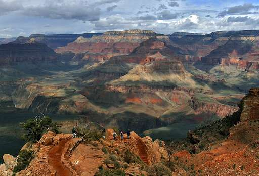 Court keeps ban on new mining claims around Grand Canyon