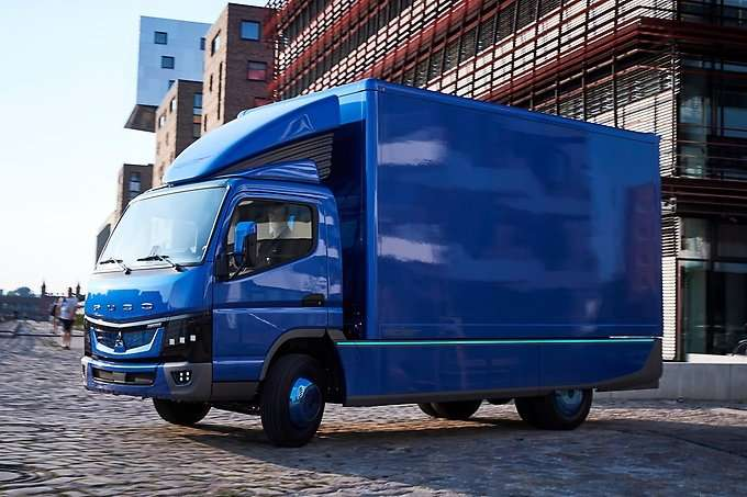 01bb014224 Daimler delivers its first all-electric trucks in Europe