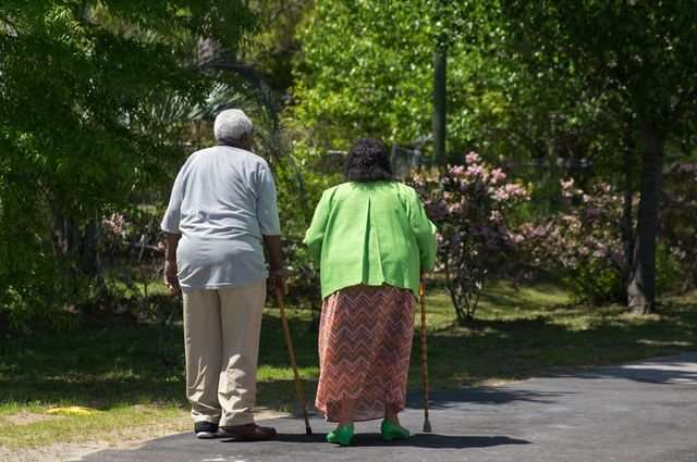 For adults 60 and older, just 4,000 steps a day improve attention and mental skills