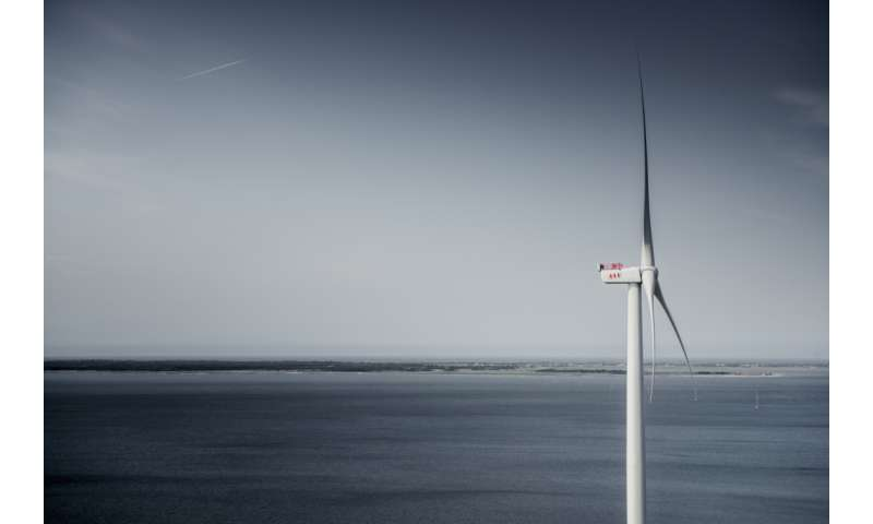 Giant wind turbine breaks 24-hour power record