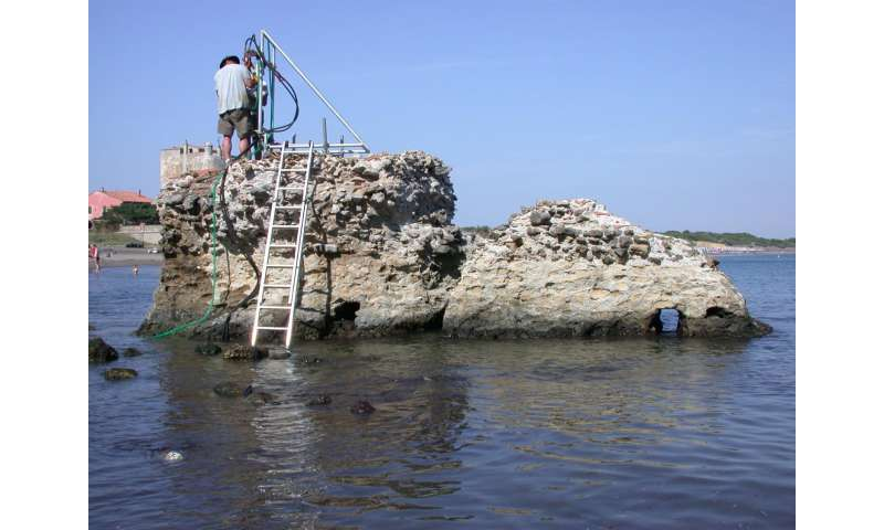 How seawater strengthens ancient Roman concrete
