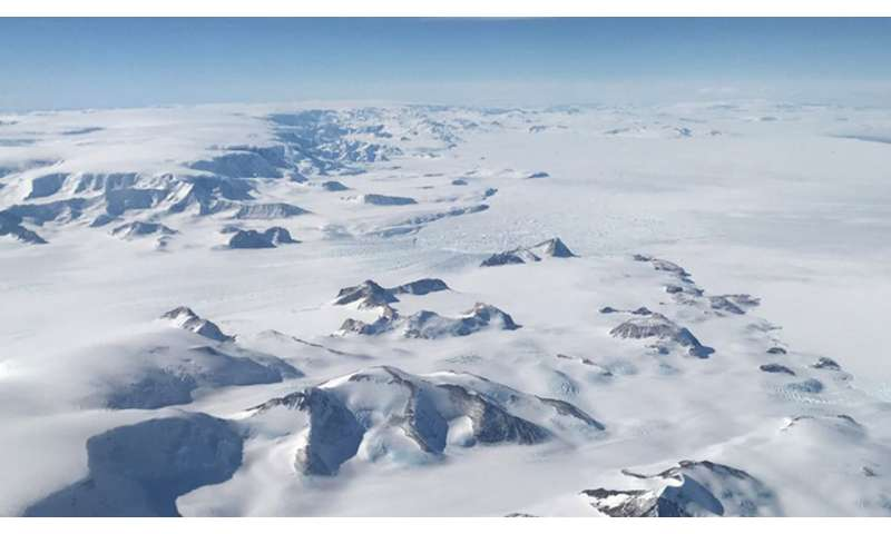 IceBridge Launches Two Sets of Antarctic Flights