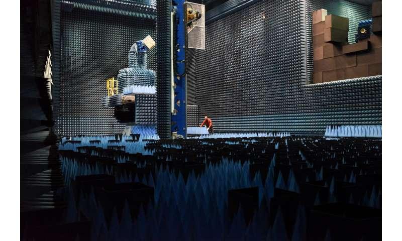 Image: Hertz chamber for radio-frequency testing