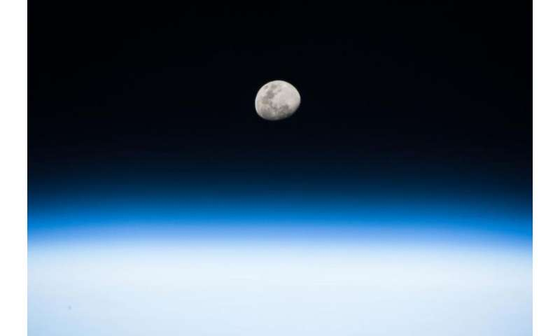 Image: Moonrise from the space station