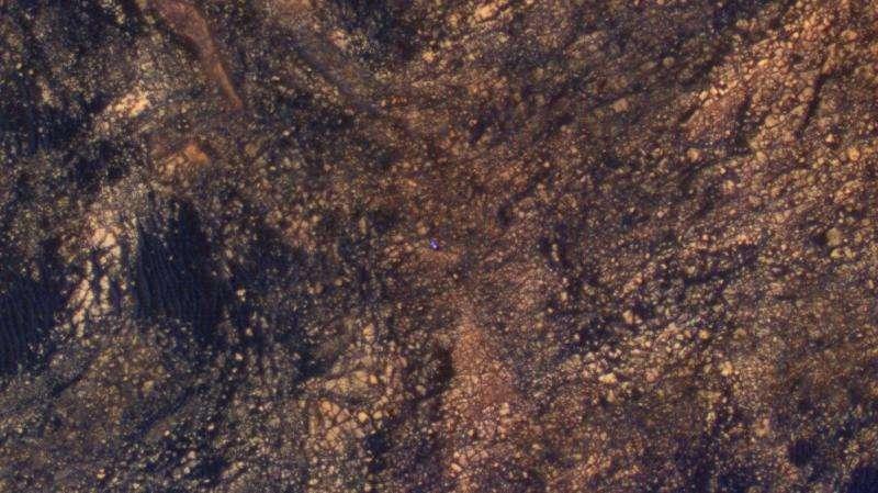 Image: NASA Mars Reconnaissance Orbiter views rover climbing Mount Sharp