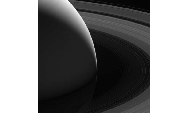 Image: The grace of Saturn