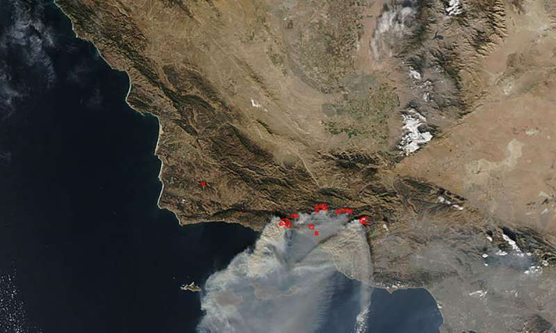 Image: Thomas fire continues to grow but weather may assist efforts