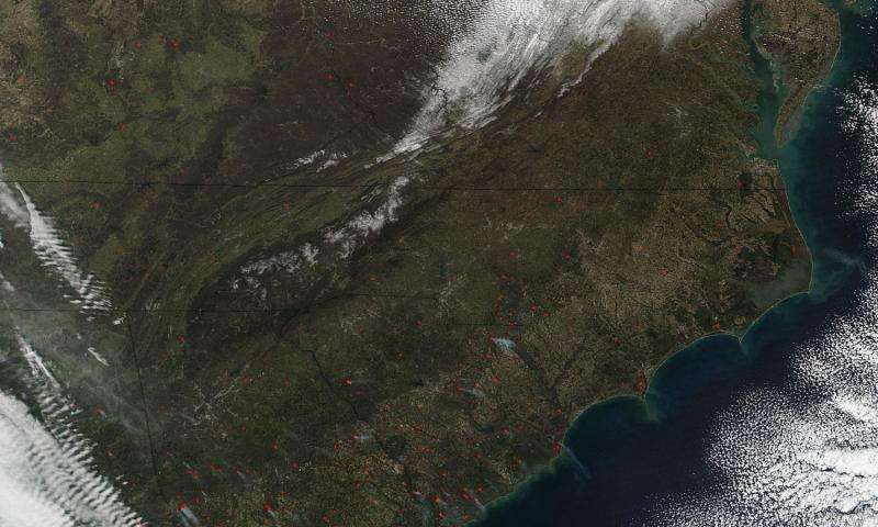 Image: Wildfires cross much of southeastern United States