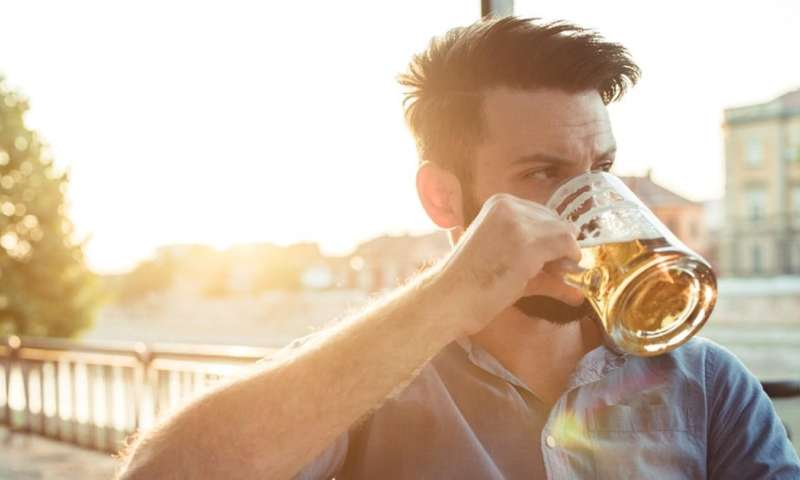 It's not just mums who need to avoid alcohol when trying for a baby