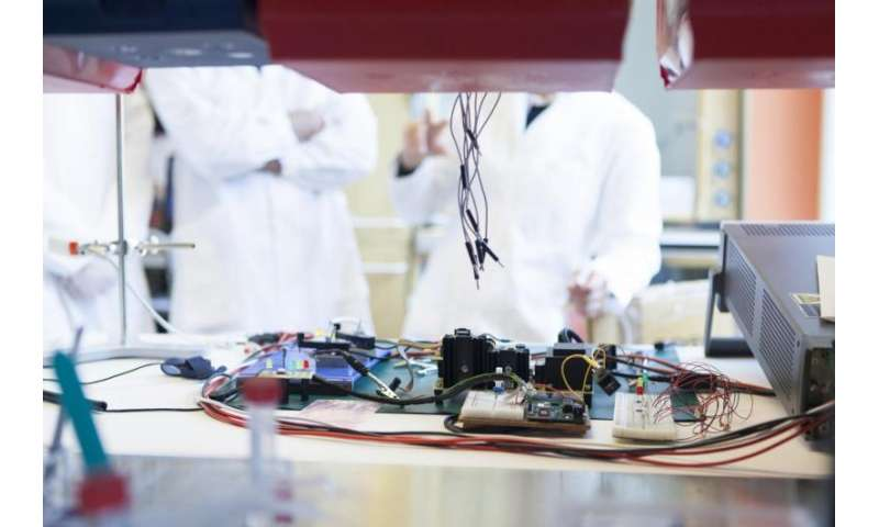 Killing bacteria by hacking plastics with silver and electricity