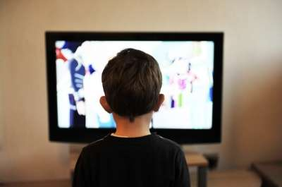 Majority of TV food ads are unhealthy and target children, study finds