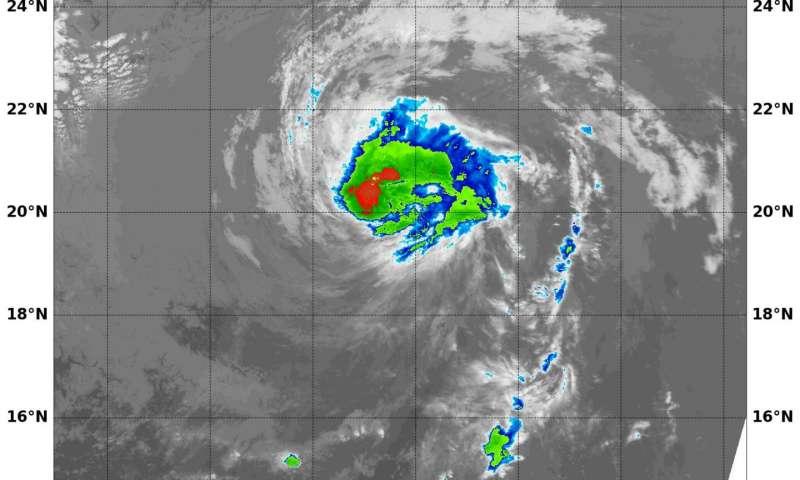 NASA finds wind shear weakening Hurricane Kenneth