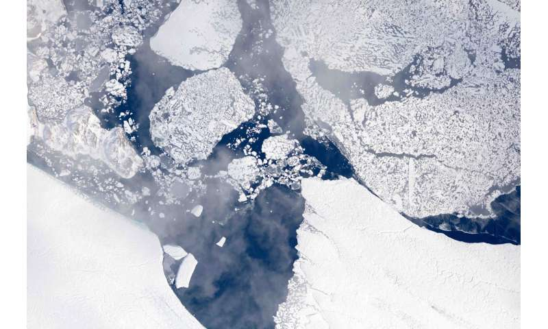 NASA flights map summer melt of Greenland Ice Sheet