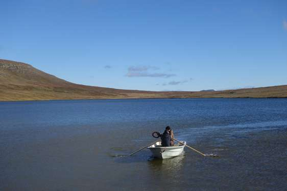 New study emphasizes the relative scarcity of lake water
