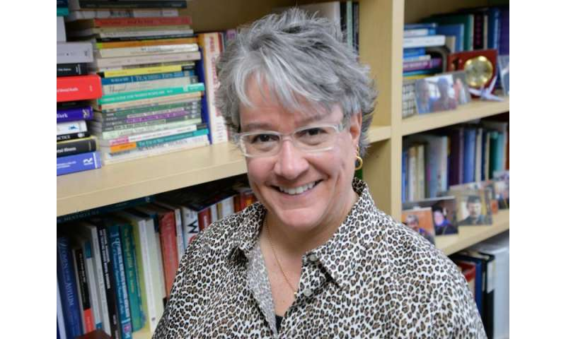 Professor investigates psychiatric medication among incarcerated women