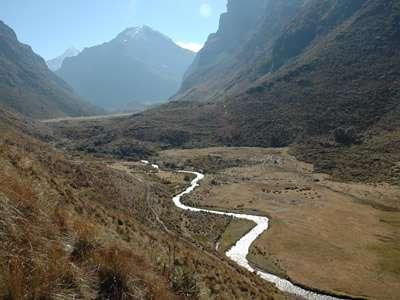 Researchers explore link between tropical glaciers, water supply