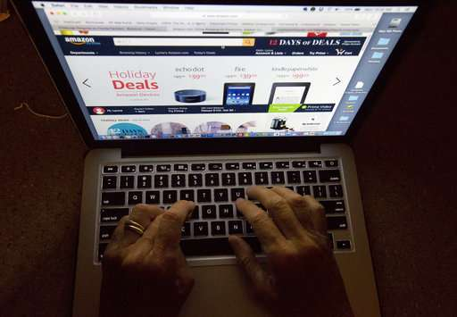 Retail group: Those using both online, stores spending more