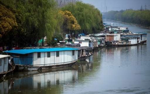 Shanghai authorities are planning a clean-up of nearly 500 small and medium-sized waterways in and around the city, part of a na