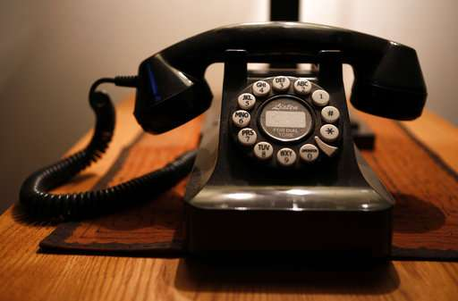 Some cling to landlines, but cell-only homes now dominate