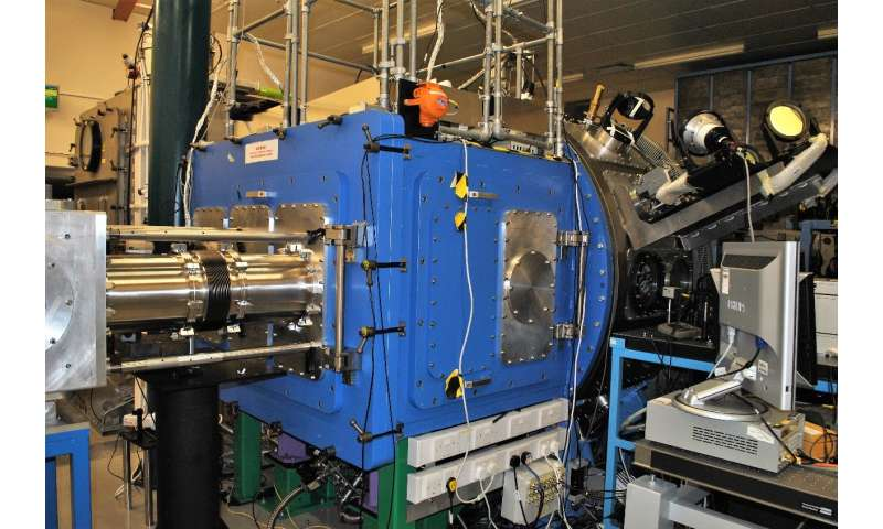 Strathclyde-led research develops world's highest gain high-power laser amplifier