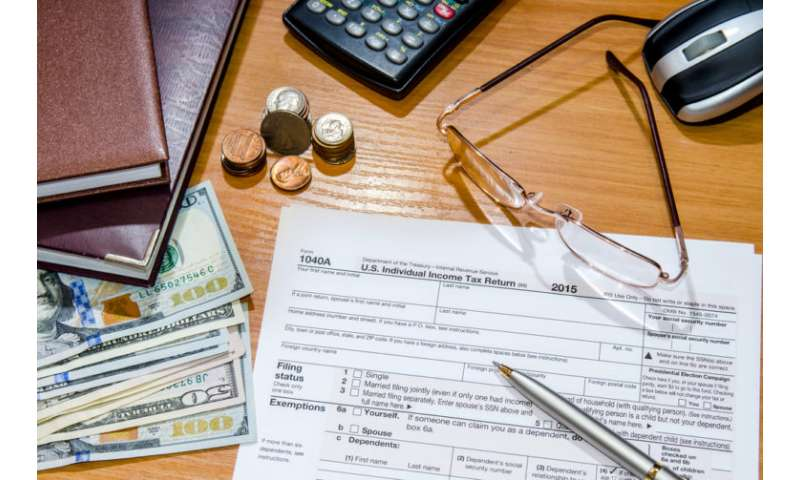 Tax-return delay could hurt low-income families, study says