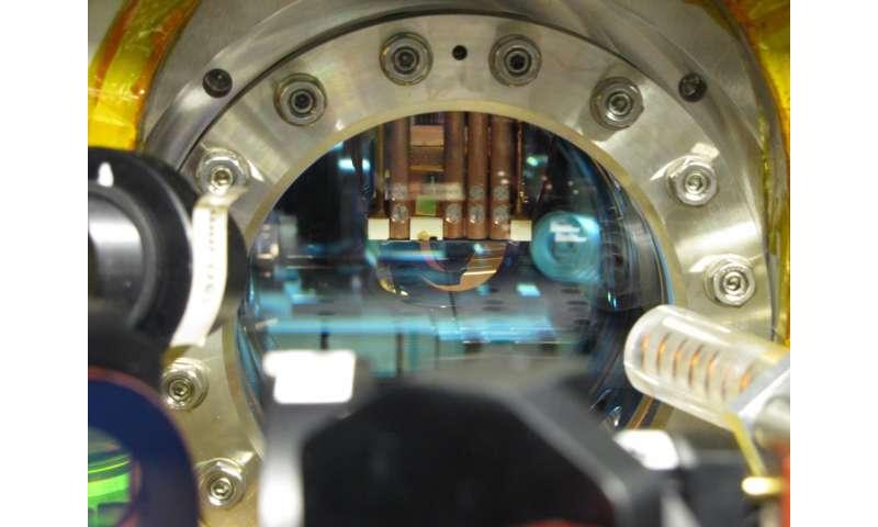 Testing quantum field theory in a quantum simulator