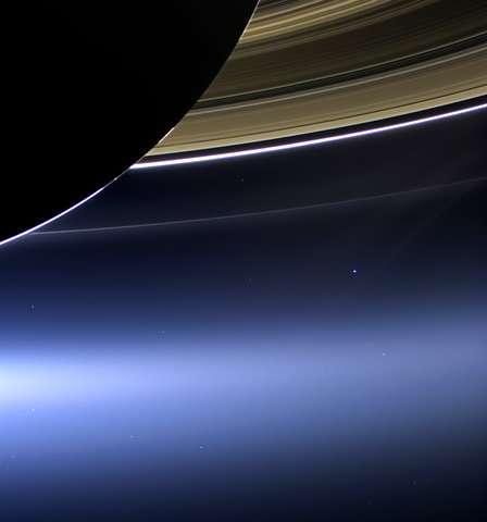 The Latest: NASA's Cassini spacecraft burns up over Saturn