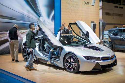 Using a smartphone, potential BMW buyers can view and interact with a virtual car as if it were standing in front of them