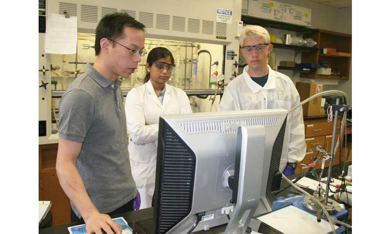 USU chemist seeks 'game-changer' in electrochemical water catalysis