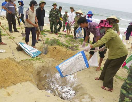Vietnam maintains ban on deep-water fishing in polluted area