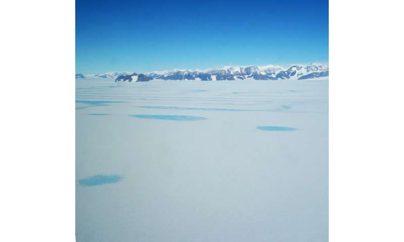 Warm winds: New insight into what weakens Antarctic ice shelves