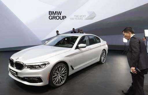 Attirant Wheels To Watch: BMW 5 Series, Kia Sports Car, Mercedes GLA