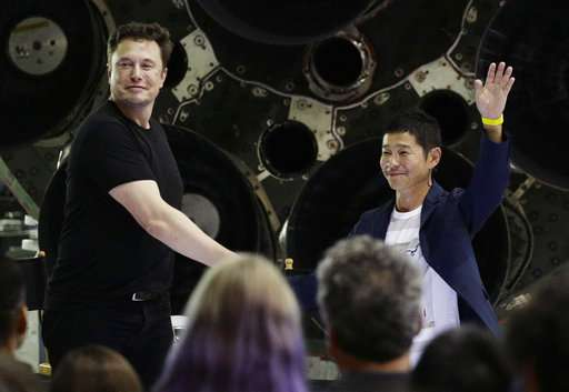 1st private moon flight passenger to invite creative guests