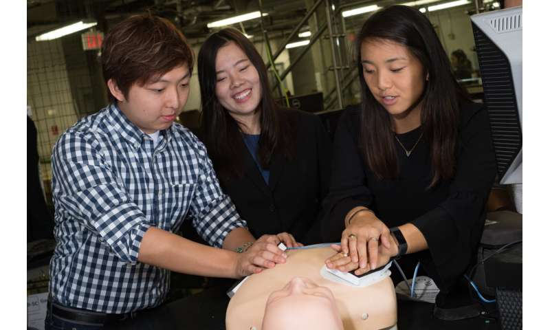 Bioengineering students develop add-on pad to make defibrillators more effective