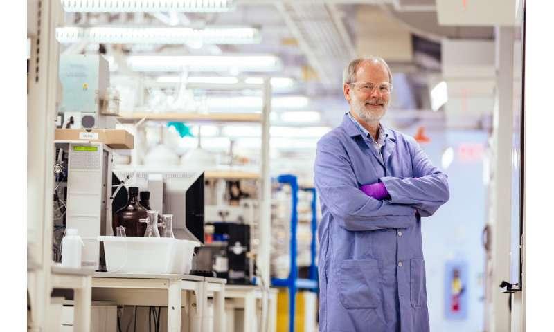 Chemical catalyst turns 'trash' into 'treasure,' making inert C-H bonds reactive