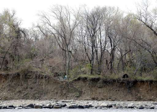Erosion unearths bones on New York's island of the dead