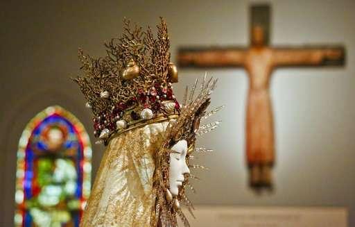 'Heavenly Bodies' sets heavenly record at Met Museum