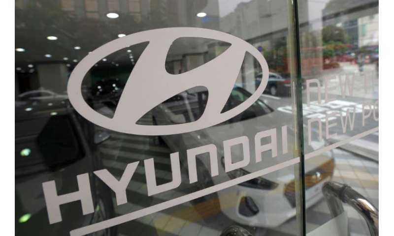 Hyundai Motor sold 1.05 million cars in the three-month period, down 1.7 percent from a year earlier