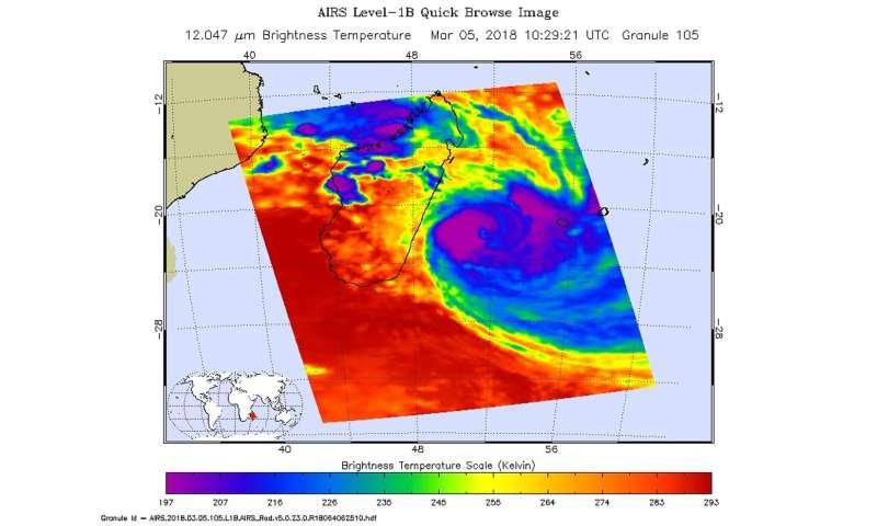 NASA sees powerful storms around Dumazile's eye