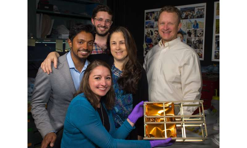 NASA team demonstrates 'science on a shoestring' with greenhouse gas-measuring instrument